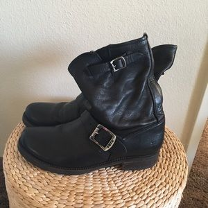 FRYE Black Leather Boots Size 7B